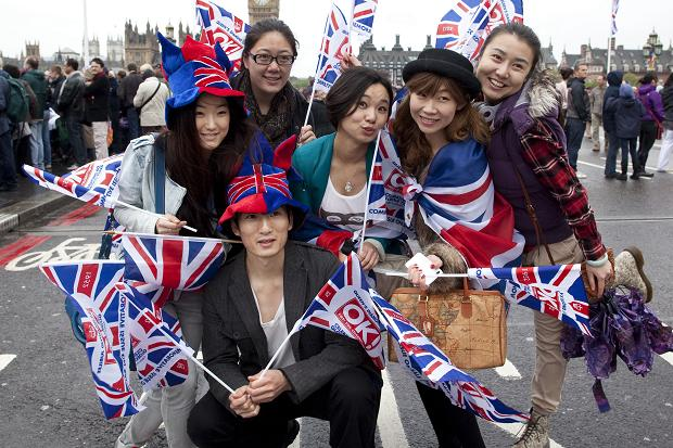 chinese-tourists-UK